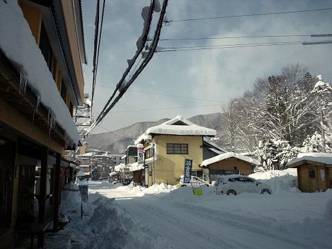 雪化粧の湯西川温泉街