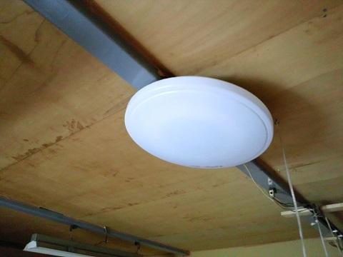 倉庫の2階にある寝室のシーリングライト