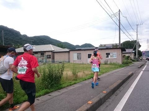 100kmウルトラマラソンのランナー