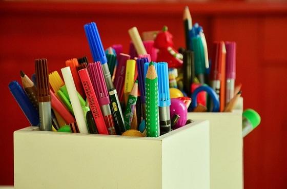 工作教室のペンたて