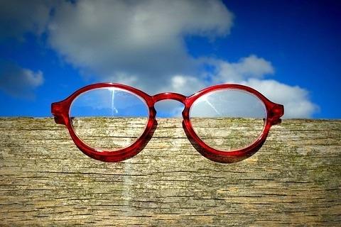 魔法の色縁メガネ