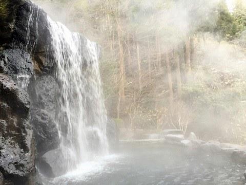 ブーさん大好き滝露天風呂