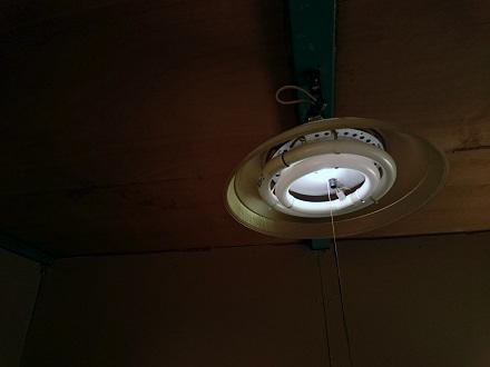 居間の照明