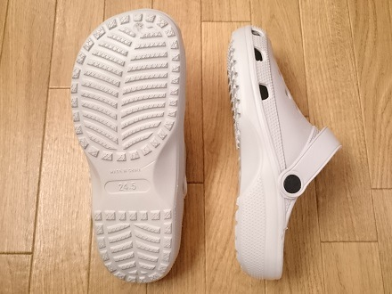 ダイソーのカジュアルサンダルの靴底と横