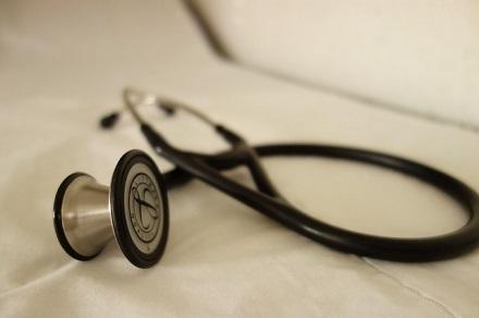 呼吸器科を受診:聴診器