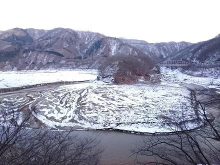 海尻橋の先で見た五十里湖