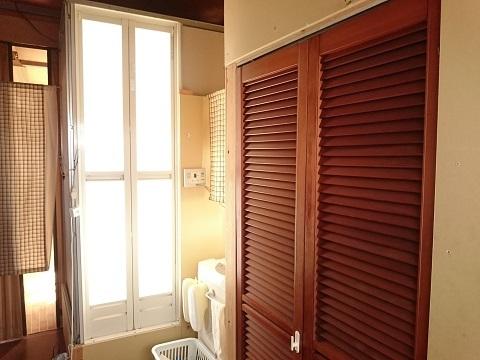 寝室・お風呂・洗濯機・トイレ(倉庫の2階)