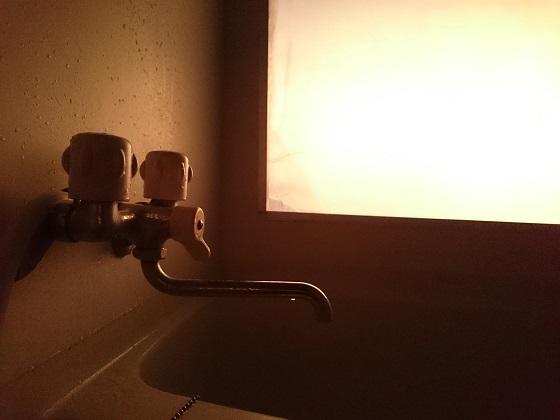 夕日に染まるお風呂