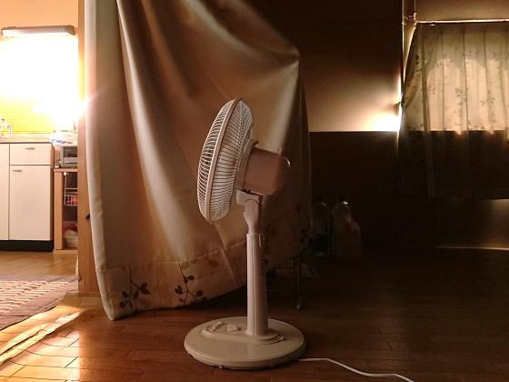 倉庫暮らしの暑さ対策「ジュディ・オング作戦」