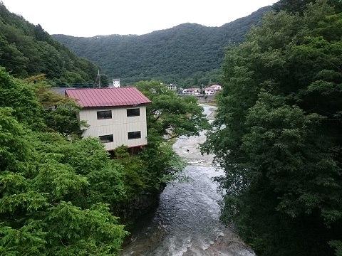 天楽堂つり橋から見える下流側の風景