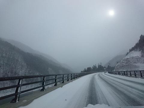 雪の日の湯西川