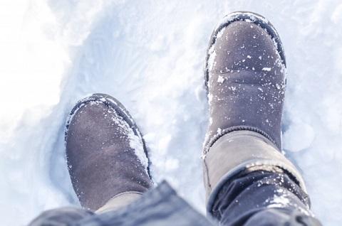 雪とブーツ