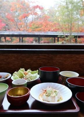 秋の朝ごはん 湯西川温泉 揚羽(平家の庄)