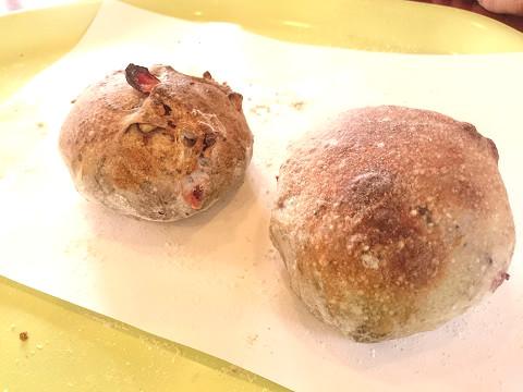 ろまんちっく村 薪窯パン焼き体験 クランベリーとクルミのパン