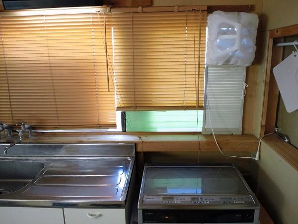 倉庫の2階にある手作り台所