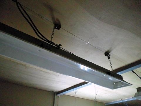 倉庫の2階にある自宅の天井