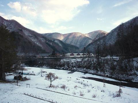 冬の湯西川 水の郷から見た風景