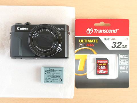 G7X MarkIIとSDカード、電池