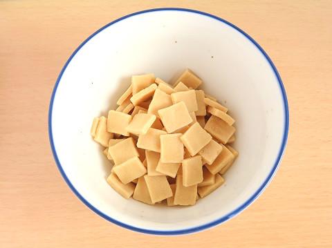 めんつゆで戻した高野豆腐