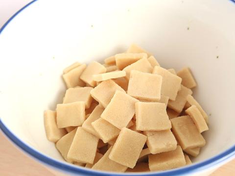 小さな高野豆腐「おいしいとうふ うすぎり」