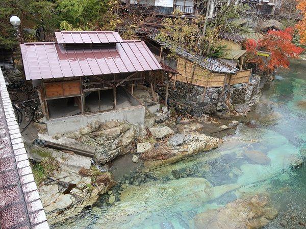 台風19号で崩壊した薬師の湯(湯西川温泉)