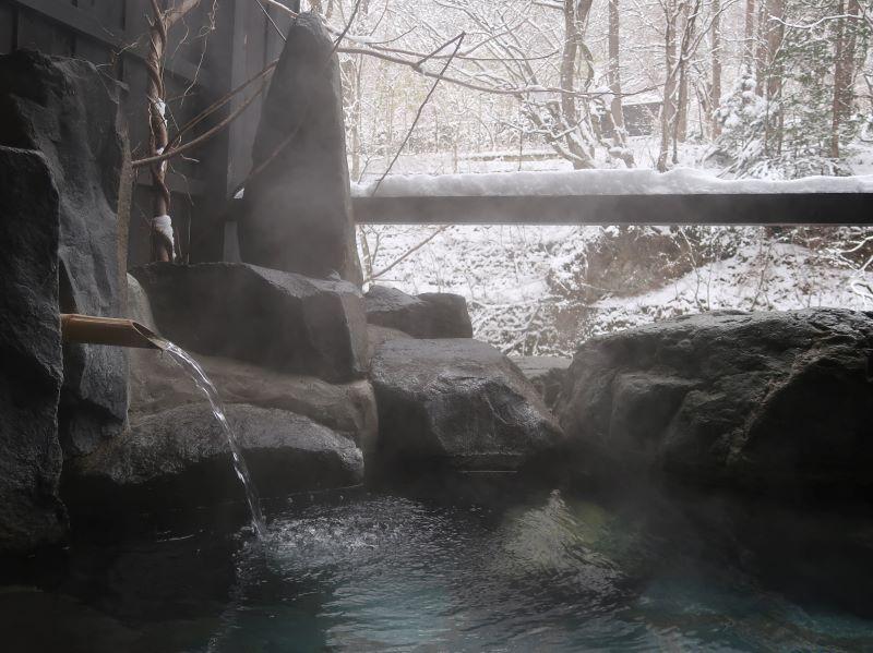 雪景色と貸切露天風呂。湯西川温泉「揚羽」