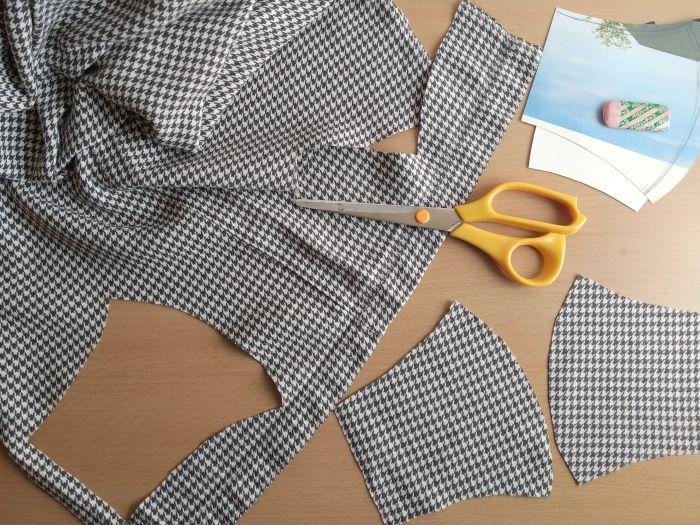 表地に使うパジャマをカット