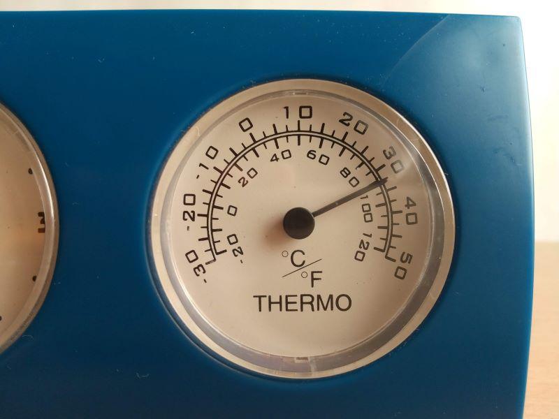 自宅の温度計