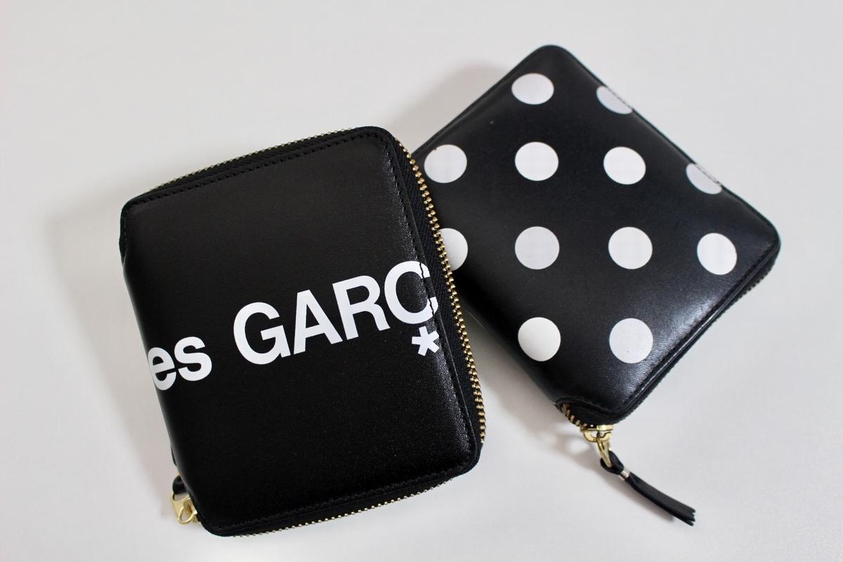 ギャルソン財布ロゴとドット