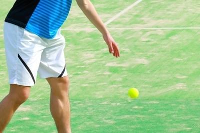 テニス サーブのコツとポイント