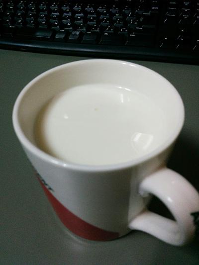 トリスハニーのホットミルク割り