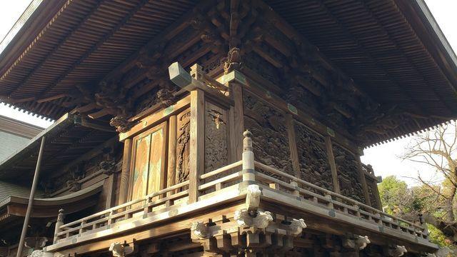北嶺町御嶽神社の本殿彫刻