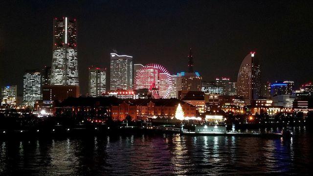大さん橋からみなとみらい夜景を見る
