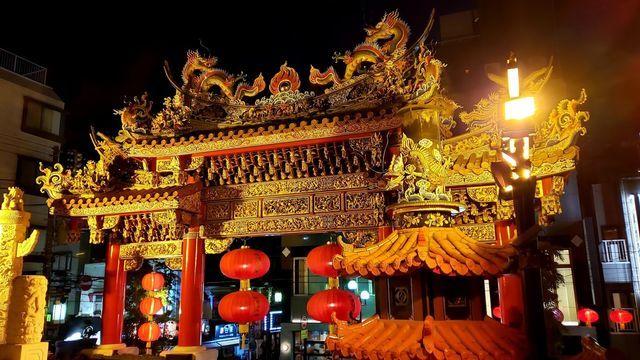 横浜中華街の夜景/関帝廟