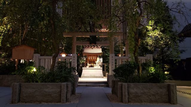 日本橋室町夜景/福徳の森