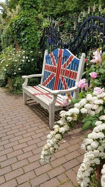 横浜イングリッシュガーデンのイギリス国旗のベンチ