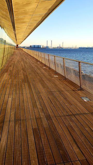 大さん橋国際客船ターミナルのデッキ