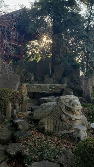 善養密寺の庭園と石像
