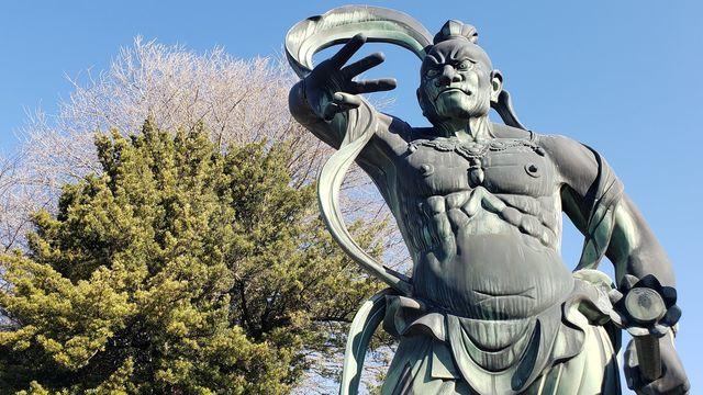 星谷寺の仁王像