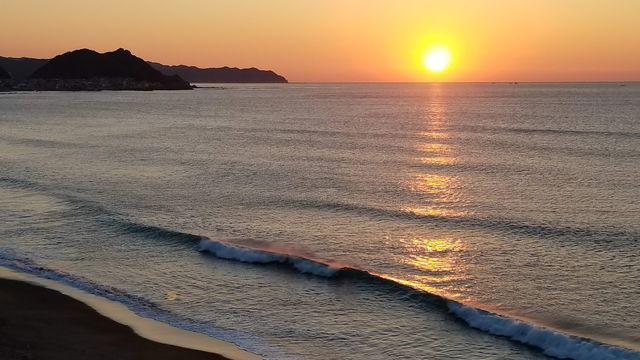鴨川の東条海岸からの日の出