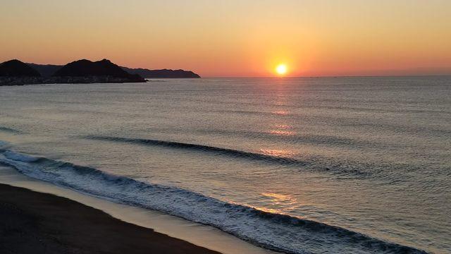 鴨川/東条海外からの日の出