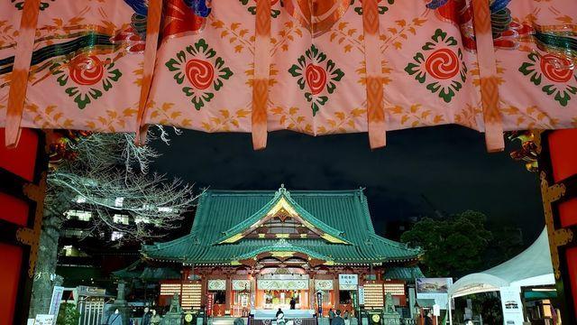 神田明神の隋神門から社殿を望む