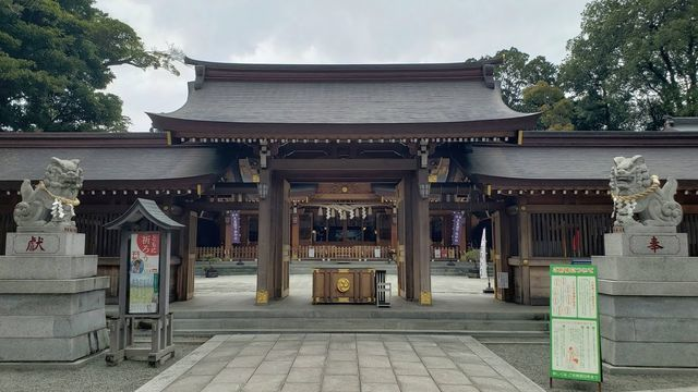 亀ヶ池八幡宮の御神門