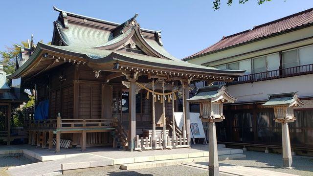 鴨居八幡神社の社殿