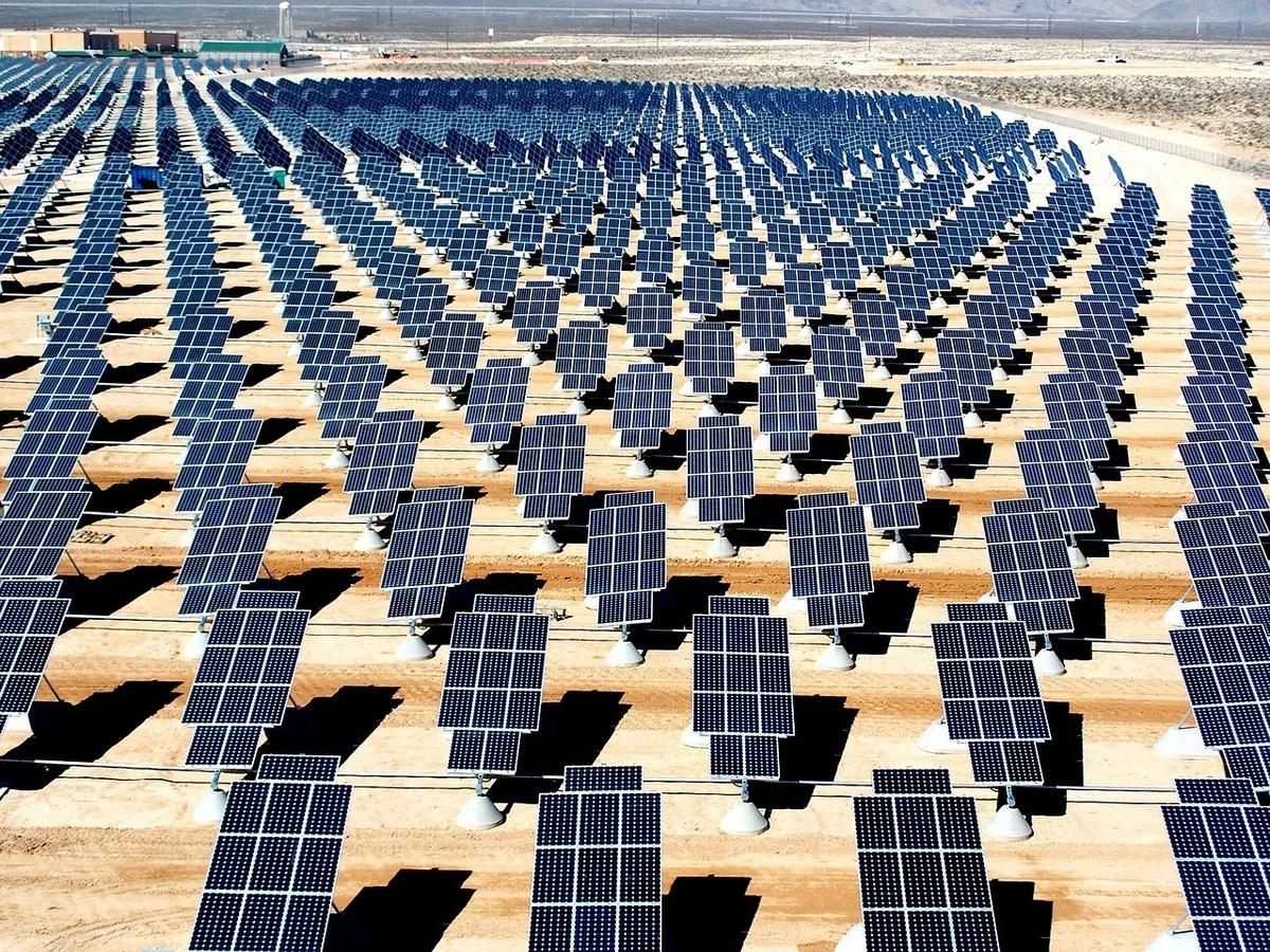 2019年(令和元年)に電験3種で転職するなら太陽光(ソーラー発電所)の電気主任技術者がおすすめ!!