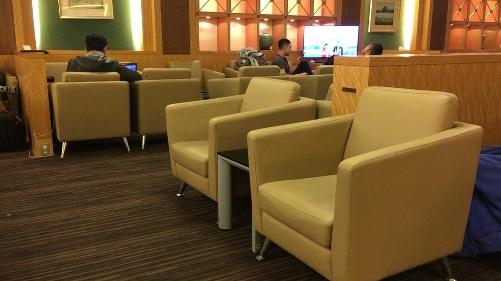 大韓航空ラウンジの椅子