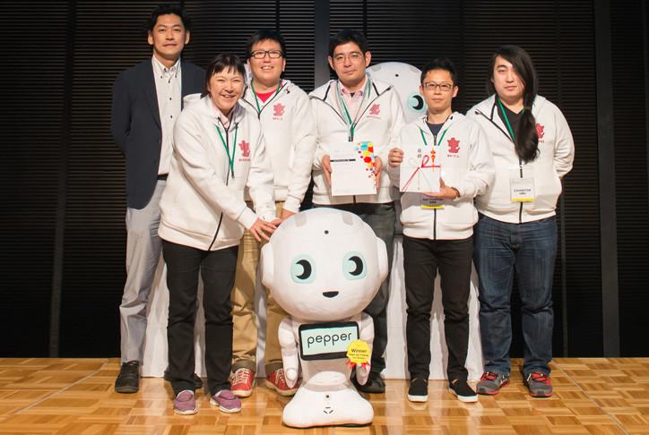 IoTテクノロジー賞 作品名:コミュニケーションテーブル チーム名:SHANTI & ROK