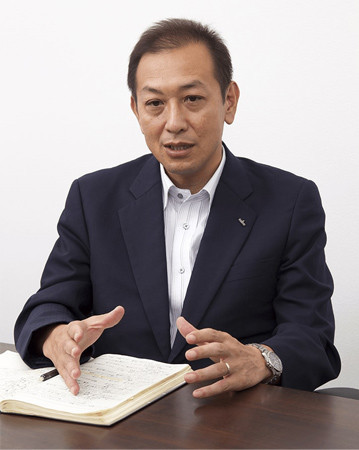 ITヘルプデスク業務にAIを活用しようと考えた背景を語る中村氏