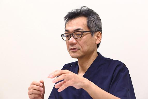 医療が行き届かない部分に光を当てたいと語る菊谷医師
