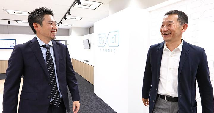 湧川氏と有坂氏 ソフトバンクの5G×IoTスタジオにて